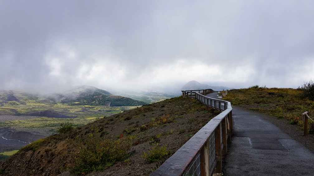 Clouds spoiling the view at Mount St. Helens